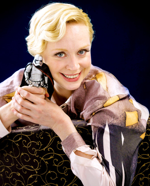 C'mon Gwendoline. Stop playing with yourself.